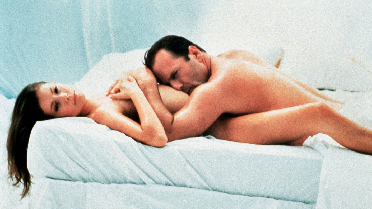 bruce willis naked color red